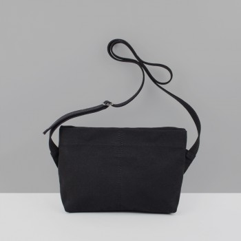 UTILITY CROSSBODY BAG / BLACK