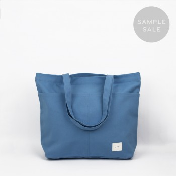 UTILITY TOTE / DARK LIGHT BLUE / SAMPLE SALE
